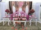 Algumas mesas decoradas dos parabéns